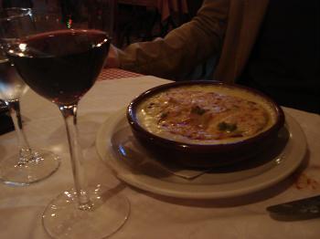Rondelli verde com molho romanesca do Pasta & Vino