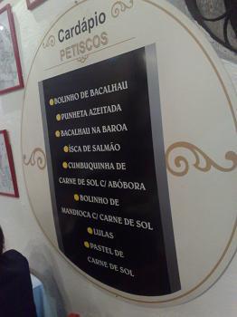 """Entre 11 especialidades de 'Bacalhaus' estão as """"punhetas azeitadas"""""""