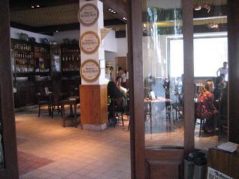 Bar dos mesmos donos do Veríssimo faz referência às boticas da época de Mário Quintana