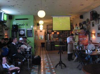 "Kamaleon: pagode do ""Leva Eu"" e futebol no Ipiranga"