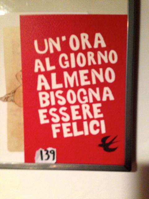 Mensagem na cozinha do apartamento de Torino