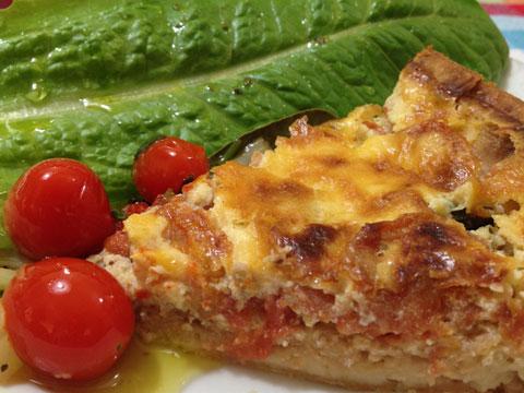 Torta Marguerita com tomates e queijo, também faz sucesso.