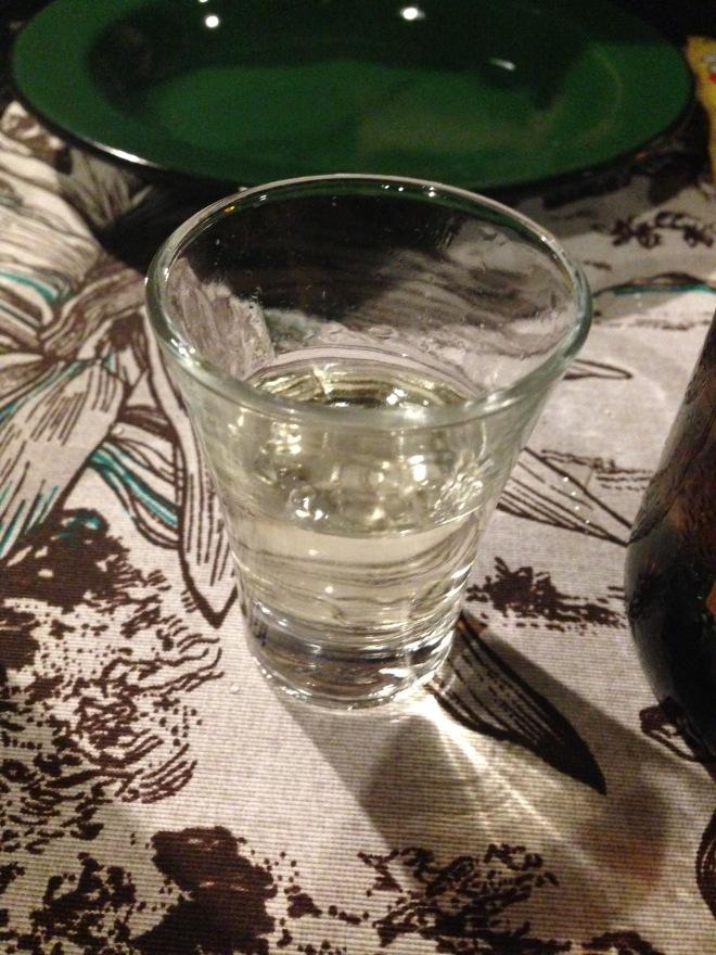 Cachaça aromatizada com mexerica e cambuci é uma das opções de 'marvadas' do cardápio.