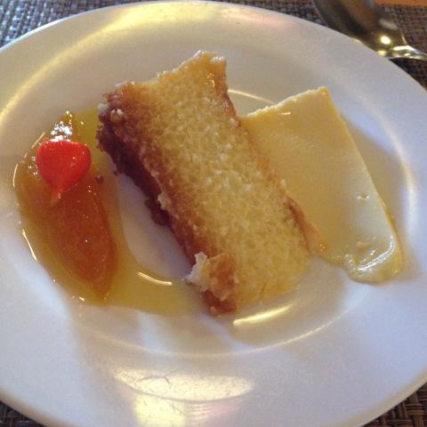 Depois do almoço típico do Parraxaxá, vale provar doces como o pudim de tapioca e a compota de manga com biquinho