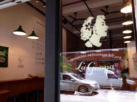 La Guapa do Itaim. Casa de empanadas da chef Paola Carosella também tem endereço nos Jardins e está no iFood.