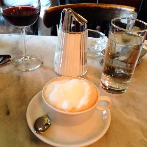 Melange, o capuccino vienense, no café que foi cenário de 'Antes do Amanhecer'.