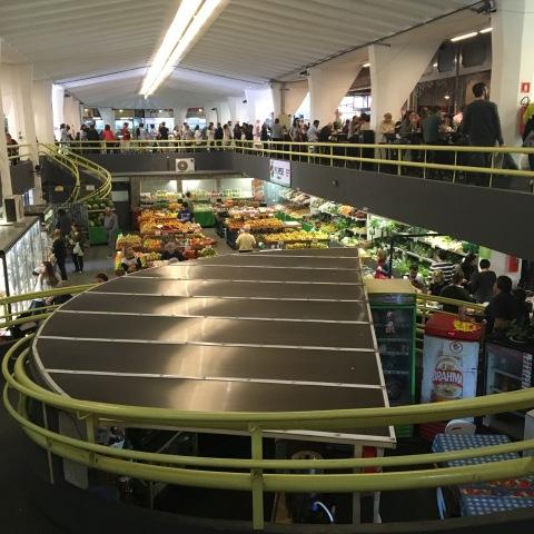 Mercado de Pinheiros tem boxes com produtos de regiões como Cerrado, Pampas e Amazônia.