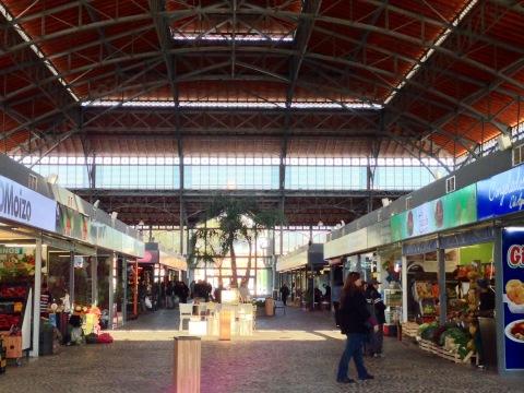 Interior do Mercado Agrícola, reformado em 2013.